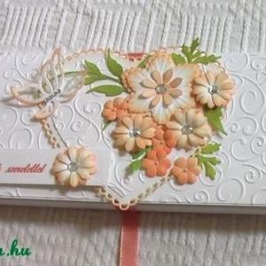 Ajándék dobozka, Naptár, képeslap, album, Otthon & lakás, Ajándékkísérő, Papírművészet, Fehér strukturált kartonból, dombormintás rátéttel, tintázott virágokkal készült csokoládé dobozka. ..., Meska