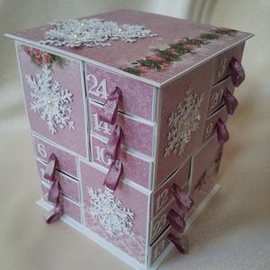 Nagyon csajos, Otthon & Lakás, Karácsony & Mikulás, Adventi naptár, Papírművészet, \nSaját tervezésű, színes kartonból és scrapbook papírokból  készült adventi naptár. A 24 dobozkát ma..., Meska
