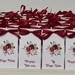 100 db Ültetőkártya helyett köszönőajándék dobozka esküvőre , Esküvő, Meghívó, ültetőkártya, köszönőajándék, Esküvői dekoráció, Papírművészet, Az amerikai stílusú esküvői meghívókhoz tökéletesen illik. \n100 db fehér vászonmintázott kartonból k..., Meska
