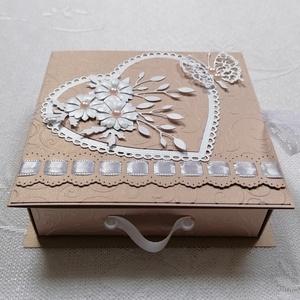Ajándék vagy pénzátadó fiókos dobozka, Otthon & lakás, Naptár, képeslap, album, Ajándékkísérő, Papírművészet, Szülinapra,  esküvőre, ballagásra, bármely alkalomra. \nNúde színű gyöngyházfényű kartonból készült, ..., Meska