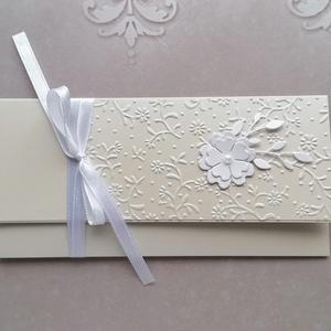 Halványbézs esküvő, Otthon & Lakás, Papír írószer, Boríték, Papírművészet, Gyöngyházfényű kartonból, dombormintás rátéttel  készült boríték esküvőre. \n\nMérete 18,4x8,7 cm. \n..., Meska