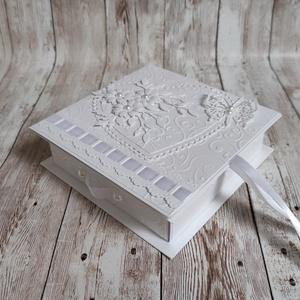 Ajándék vagy pénzátadó fiókos dobozka, Otthon & Lakás, Tárolás & Rendszerezés, Doboz, Papírművészet, Szülinapra,  esküvőre, ballagásra, bármely alkalomra. \nFehér színű gyöngyházfényű kartonból készült,..., Meska