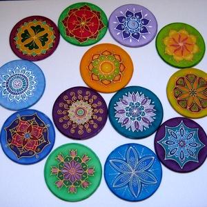 Mandala, kísérő ajándék, Dekoráció, Otthon & lakás, Kép, Dísz, Selyemfestés, 10 cm átmérőjű kézzel festett egyedi selyemképek, melyek apró ajándékként adhatók bárkinek: akár egy..., Meska