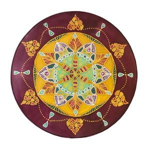 SzívKözpont, Esküvő, Nászajándék, Lakberendezés, Otthon & lakás, Falikép, Selyemfestés, 30 cm átmérőjű kézzel festett egyedi selyemkép. A mandala mintájának alapjául a szívcsakra szimbólum..., Meska