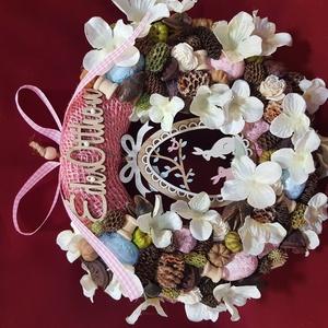 Húsvéti tojásos ajtó dísz, Otthon & Lakás, Dekoráció, Ajtódísz & Kopogtató, Mindenmás, Virágkötés, 20 cm-es alapot bevontam rózsaszínű juta szalaggal. A koszorút natúr, zöld rózsaszínű termésekkel, k..., Meska