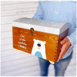 Tároló és Emlékláda - Jegesmaci (keresztelő, fotózás, ballagás, születésnap, babavárás, kisfiú skandináv, doboz, emlék), Gyerek & játék, Gyerekszoba, Tárolóeszköz - gyerekszobába, Gyerekbútor, Otthon & lakás, Lakberendezés, Tárolóeszköz, Láda, Festett tárgyak, Adj olyan ajándékot, mely az idő múlásával csak még értékesebb lesz, mint most! Egy örök emlék, mely..., Meska