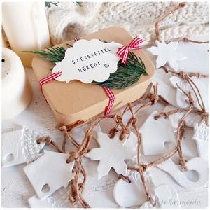 Ajándékcsomag Karácsonyra 8 db-os vegyes díszekkel (karácsonyi ajándék, karácsony), Karácsonyfadísz, Karácsony & Mikulás, Otthon & Lakás, Gyurma, A Karácsonyi Ajándékcsomagot úgy állítottam össze Neked, hogy bárkinek is add, - legyen az CSALÁDTAG..., Meska
