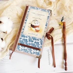 Napló - Kávé és Csokoládé LIMITÁLT! (jegyzetfüzet, receptkönyv, születésnap, névnap, konyha), Receptfüzet, Konyhafelszerelés, Otthon & Lakás, Decoupage, transzfer és szalvétatechnika, Festett tárgyak, Visszafogott stílus, természetes harmónia, fába zárt szeretet...\n\nA Kávé és Csokoládé naplót használ..., Meska