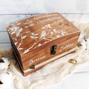 """Láda - Szeretni és Szeretve lenni - BARNA (pénzgyűjtő, pénzátadó, jókívánság, sorsjegy, rusztikus doboz, emlékőrző), Otthon & lakás, Lakberendezés, Tárolóeszköz, Esküvő, Nászajándék, Doboz, Esküvői dekoráció, Festett tárgyak, Fotó, grafika, rajz, illusztráció, \""""Szeretni és Szeretve lenni a legnagyobb boldogság a világon.\""""*\n\nVisszafogott stílus, természetes ha..., Meska"""