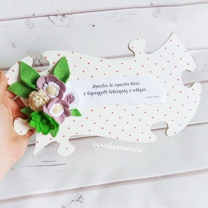 """Lila filcvirágok - Feliratos puzzle tábla (esküvő fotózás gyerekszoba valentin nap születésnap névnap örök filc virág ), Otthon & lakás, Dekoráció, Ünnepi dekoráció, Anyák napja, Ballagás, Lakberendezés, Falikép, Festett tárgyak, Nemezelés, \""""Szeretni és szeretve lenni a legnagyobb boldogság a világon...\""""*\n\nVisszafogott stílus, természetes ..., Meska"""
