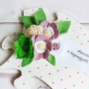 """Lila filcvirágok - Feliratos puzzle tábla (esküvő fotózás gyerekszoba valentin nap születésnap névnap örök filc virág ), Otthon & lakás, Dekoráció, Ünnepi dekoráció, Anyák napja, Ballagás, Lakberendezés, Falikép, """"Szeretni és szeretve lenni a legnagyobb boldogság a világon...""""*  Visszafogott stílus, természetes ..., Meska"""