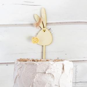 Duci nyuszis tortabeszúró beige virággal (virágdísz, torta dekoráció, torta dísz, süti, sütemény, tortába szúrható) (szinharmonia) - Meska.hu