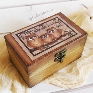 2 rekeszes - Whooo Loves You... KIFUTÓ DARAB! (doboz, teafilter tartó, teás, emlék doboz, bagoly család, nászajándék), Doboz, Tárolás & Rendszerezés, Otthon & Lakás, Festett tárgyak, Decoupage, transzfer és szalvétatechnika, Visszafogott stílus, természetes harmónia, fába zárt szeretet...\n\nA dekoratív 2 rekeszes dobozaimat ..., Meska