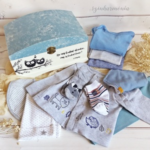 Babaköszöntő ajándékcsomag - Bagoly - LIMITÁLT (újszülött kisfiú babaváró csomag), Játék & Gyerek, Babalátogató ajándékcsomag, Festett tárgyak, Fotó, grafika, rajz, illusztráció, A járványhelyzet miatt egy időre le kell mondanunk a baba látogatásokról, de szerencsére ma már a tá..., Meska