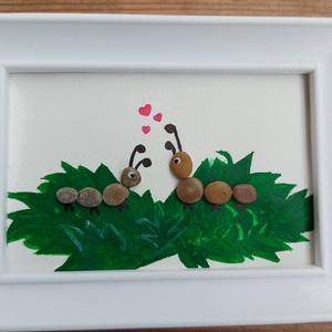 Szerelmes kukacok, Otthon & Lakás, Dekoráció, Kavics & Kő, Mozaik, Festészet, Két aranyos kukac - vagy ahogy a lányom mondaná kukuc, egy kis zöld fűcsomón esnek szerelembe. Kavic..., Meska
