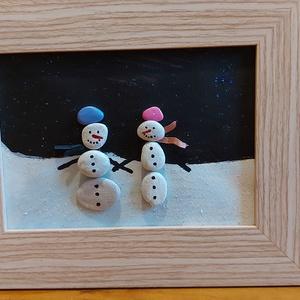 Hóemberek, Otthon & Lakás, Dekoráció, Kavics & Kő, Mozaik, Festészet, Szép téli kép, hóemberekkel. lehet szerelmes, barátos, vagy csak szimplán cuki. Kavicsok felragasztá..., Meska