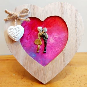 Csókolódzó szerelmes pár kavicskép, Otthon & Lakás, Dekoráció, Kavics & Kő, Mozaik, Festészet, Egyedi romantikus kavicskép, melyen egy csókolódzó szerelmes pár látható.\nKülönleges szív alakú előr..., Meska