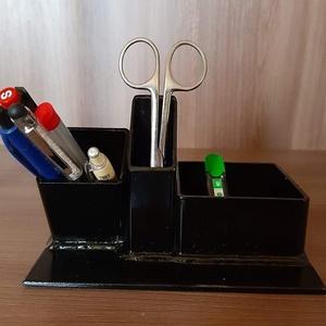 Írószertartó , Otthon & Lakás, Papír írószer, Tolltartó & Ceruzatekercs, Fémmegmunkálás, Kovácsoltvas, Asztali tolltartó, ceruzatartó fekete színben készült. Méretei: 17 cm x 13 cm. Szép ajándék lehet pe..., Meska
