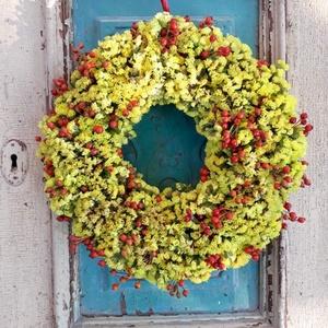 Sárga-piros bogyós Kopogtató, Dekoráció, Otthon & lakás, Dísz, Lakberendezés, Koszorú, Virágkötés, Az ajtódíszeket igyekszünk az évszakokhoz hangolva természetes alapanyagokból készíteni ,szalma alap..., Meska