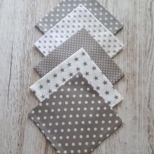 Textilszalvéta 5 db-os szürke-fehér színben NoWaste, NoWaste, Textilek, Varrás, Újra felhasználható textilszalvétakat készítettem,amelyekkel kiválthatjuk az egyszer használatosakat..., Meska