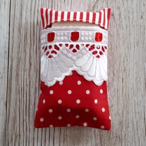 Papírzsebkendő tartó, piros pöttyös és csíkos vászonból madérával díszitve, NoWaste, Textilek, Textil tároló, Varrás, Papírzsebkendő tartót készítettem,pöttyös és csíkos pamutvászon anyagokból kombinálva.\nMadérával dís..., Meska