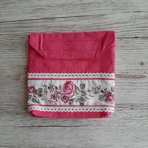 NoWaste, uzsonnás tasak,pink és rózsás sormintás anyag kombinálásával, horgolt csipkével díszítve, Shopper, textiltáska, szatyor, Bevásárlás & Shopper táska, Táska & Tok, Varrás, Vászonanyagból készítettem az uzsonnás tasakot,vízhatlan anyaggal béleltem.Tépőzárral záródik.\nNem k..., Meska