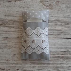 Papírzsebkendő tartó,szürke és szürke pöttyös pamutvászonból, Táska & Tok, Pénztárca & Más tok, Zsebkendőtartó, Varrás, Papírzsebkendő tartót készítettem pamutvászon anyagból,madérával és selyemszalaggal  díszítettem.Kb...., Meska