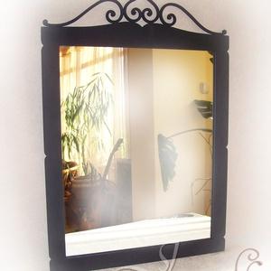 Toscana fali tükör, Otthon & lakás, Lakberendezés, Képkeret, tükör, Fémmegmunkálás, Rendelhető fali tükör. \n\nEgyszerű, szépen ívelt fali tükrömet ajánlom Mindazok figyelmébe, akik nem ..., Meska