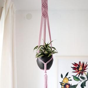 Makramé virágtartó 3., Otthon & Lakás, Dekoráció, Virágtartó, 100% újrahasznosított pamut zsinórfonalból és fa karika felhasználásával készült makramé virágtartó...., Meska