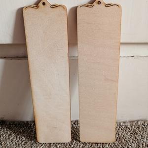 Fa könyvjelző (2 db), Fa, Egyéb fatermék, Famegmunkálás, Fa alap - lézervágott könyvjelző, díszített felső résszel\nMérete: 5x19 cm\nVastagság: 3 mm\nAnyag: rét..., Meska