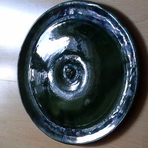 Pizzás tányér, Dekoráció, Otthon & lakás, Konyhafelszerelés, Lakberendezés, Kerámia, Zöld, fényes mázas kerámia tányér. Mérete: 30 cm., Meska