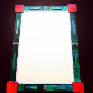 Komplementer tiffany tükör, Otthon & Lakás, Dekoráció, Tükör, Mindenmás, Üvegművészet, Modern, fiatalos játékos színvilág a zöld és a piros párosításából.\nMinden helységbe illik\nMéret: 60..., Meska