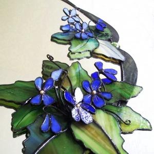 3D Ibolyás falitükör , Otthon & Lakás, Dekoráció, Tükör, Mindenmás, Üvegművészet, Bájos virágfejek kacsintgatnak a sarokból, melyek élénk kék színükkel, gyöngy bibéjükkel ellenállhat..., Meska