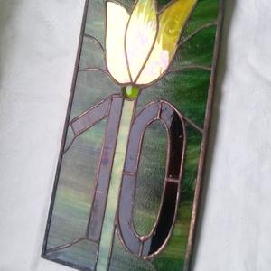 Házszámtábla tulipános tiffany, Otthon & Lakás, Ház & Kert, Házszám, Üvegművészet,  Megrendelésre készült sárga tulipános házszámtábla. Mérete 30 x 15 cm.\nBármilyen méretben, formavil..., Meska