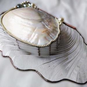 Mother of pearl luxus ékszerdoboz, Ékszer, Ékszertartó, Ékszerdoboz, Mindenmás, Üvegművészet, Az ékszerdoboz alapját egy kivételesen szép, ritkaságnak számító délkelet-ázsiai eredetű gyöngyöskag..., Meska