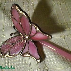 Pille rózsaszín tiffanyüveg, Otthon & Lakás, Dekoráció, Csokor & Virágdísz, Mindenmás, Üvegművészet, Élethű tiffany pillangók bármilyen színben és típusban kérhetők. -ez esetben épp ilyen lett. Üvegpál..., Meska