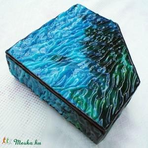 Korallzátony ékszerdoboz tiffanyból, Ékszer, Ékszertartó, Ékszerdoboz, Mindenmás, Üvegművészet, A lagúna kékségével és sekély tengervíz tisztaságával, egy kivételesen szép strukturált felületű üve..., Meska