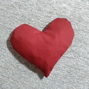 Szív alakú meggymag párna , Gyerek & játék, Karácsony, Ünnepi dekoráció, Dekoráció, Otthon & lakás, Varrás, A meggymag párna jótékony hatása a népi gyógyászatban régóta ismert.\nHideg- és meleg terápiás célokr..., Meska