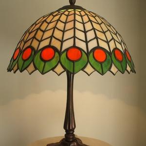 Tiffany lámpa, Lakberendezés, Otthon & lakás, Lámpa, Hangulatlámpa, Asztali lámpa, Üvegművészet, Tiffany lámpa. \nA lámpaernyő átmérője:30cm.  \nA lámpa teljes magassága:40cm.\nBármilyen más színössze..., Meska