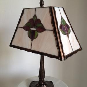 Tiffany lámpa, Asztali lámpa, Lámpa, Otthon & Lakás, Üvegművészet, Tiffany technológiával készült, dekoratív asztali lámpa.\nMagassága:38cm, átmérője:30cm\nTermészetesen..., Meska