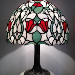 Tiffany lámpa, Asztali lámpa, Lámpa, Otthon & Lakás, Üvegművészet, Tiffany lámpa.\n\n480 darab üvegből összeállított 40cm átmérőjű, 55cm magasságú Tiffany lámpa...., Meska