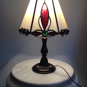 Tiffany lámpa, Asztali lámpa, Lámpa, Otthon & Lakás, Üvegművészet, A lámpa átmérője kb. 20 cm, magassága 37cm.\nBármilyen más színösszeállítással is rendelhető...., Meska
