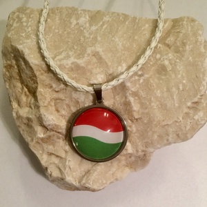 Magyar zászlós nemzetiszín nemesacél nyaklánc - hullámos (SzurkoloiTermekek) - Meska.hu