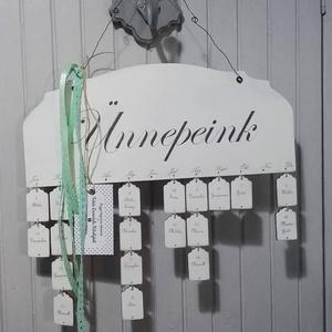 Családi kalendárium, Otthon & Lakás, Dekoráció, Falinaptár & Öröknaptár, Famegmunkálás, Festett tárgyak, Falapra festett családi kalendárium, kedves és hasznos egyszerre, és még a lakást is dekorálja!\n Kéz..., Meska