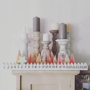 Adventi naptár, Otthon & Lakás, Karácsony & Mikulás, Adventi naptár, Famegmunkálás, Festett tárgyak, Adventi naptárt készítettünk az egyszerűség jegyében. A csillagot mozgatva követheted a napokat egés..., Meska
