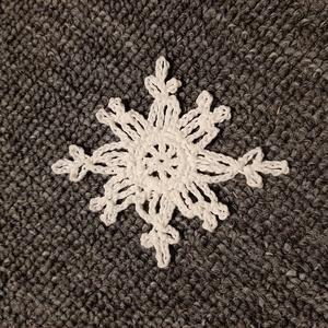 Horgolt hópehely 2., Dísztárgy, Dekoráció, Otthon & Lakás, Mindenmás, Kézzel horholt hópehely.\nÁtmérő: 7 cm\n, Meska