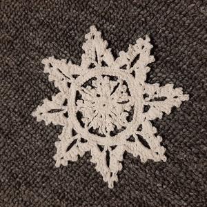 Horgolt hópehely 7., Otthon & lakás, Dekoráció, Ünnepi dekoráció, Mindenmás, Kézzel horholt hópehely.\nÁtmérő: 10 cm\n, Meska