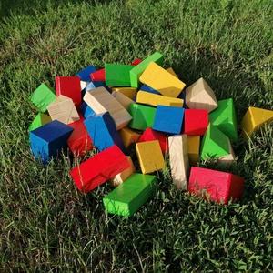 Színes óriás építőkocka, Gyerek & játék, Játék, Fajáték, Famegmunkálás, 40 db-os natúr fa óriáskocka készlet műanyag tárolódobozban.\nA szett tartalma:\n10 db 5x5x10 cm tégla..., Meska