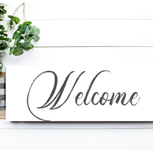 Welcome - szürke kopott 40x20 cm fa tábla, Otthon & lakás, Dekoráció, Kép, Lakberendezés, Falikép, Famegmunkálás, Festett tárgyak, Kézzel készített fa tábla:\n\nalap: nyárfa,\nfehér háttérfestés,\nszürke betűk - kopott hatás,\nakasztó.\n..., Meska