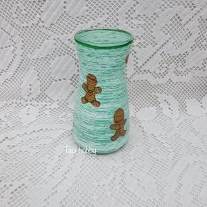 Zöld váza fonaldekorral, Váza, Dekoráció, Otthon & Lakás, Decoupage, transzfer és szalvétatechnika, Mindenmás, A üveg vázát vásároltam és fonaldekorral és decoupage technikával díszítettem. Többféle cuki mézeska..., Meska